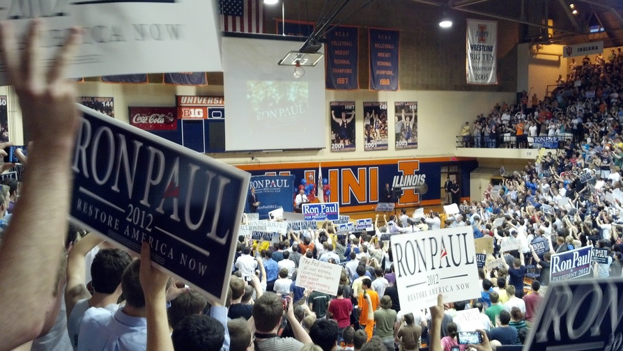 Ron Paul Draws Massive Crowd in Illinois